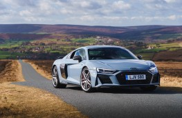 Audi R8 Coupe, front