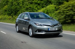 Toyota Auris Touring Sports, front, action