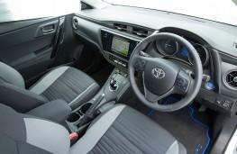 Toyota Auris Hybrid, interior