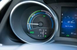 Toyota Auris Hybrid, power gauge