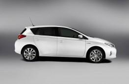 Toyota Auris, side