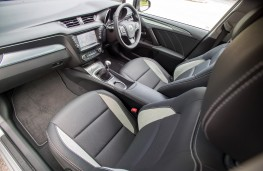Toyota Avensis Touring Sports, interior