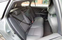 Toyota Avensis Touring Sports, rear seats