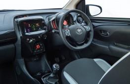 Toyota Aygo x-press, interior