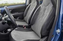 Toyota Aygo, 2018, front seats
