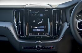 Volvo XC60 B4, 2019, display screen