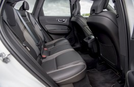 Volvo XC60 B4, 2019, rear seats