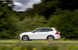 Volvo XC60 B4, 2019, side
