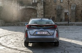 Toyota Prius PHV, 2017, back