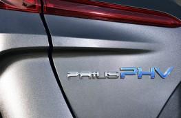 Toyota Prius PHV, 2017, badge