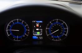 Suzuki Baleno, hybrid display