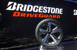 Bridgestone DriveGuard run flat tyre, demo