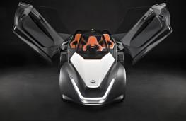 Nissan BladeGlider, nose, doors open
