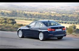 BMW 3 Series Saloon, side