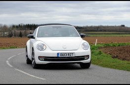 Volkswagen Beetle Cabriolet, front, action, roof up