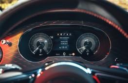 Bentley Bentayga S, 2021, instrument panel