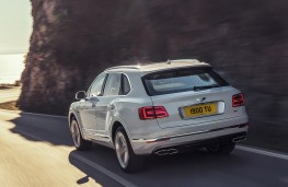 Bentley Bentayga Hybrid rear