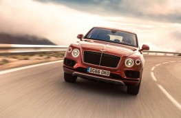 Bentley Bentayga, front action