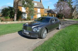 Bentley Mulsanne EWB, front static 2