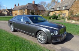 Bentley Mulsanne EWB, front static