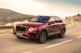 Bentley Bentayga, front action 2