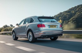 Bentley Bentayga, rear action