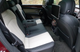 Bentley Bentayga, rear seats 2