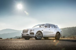 Bentley Bentayga, static front