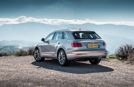 Bentley Bentayga, static scene 2