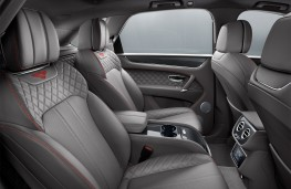 Bentley Bentayga V8, 2018, rear seats