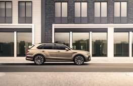 Bentley Bentayga Hybrid, 2021, side