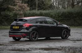 Ford Focus Black Edition, rear