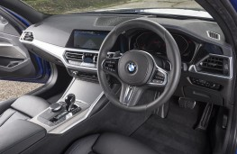 BMW 3 Series Touring 320d xDrive cockpit