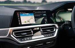 BMW 4 Series Coupe, dash detail