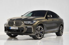 BMW X6 2020 front threequarters static