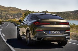 BMW X6 2020 rear action