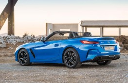 BMW Z4 2.0i 2019 rear threequarter