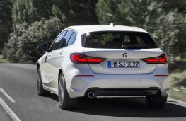 BMW 118i Sport rear action