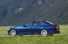 BMW 3 Series, side action
