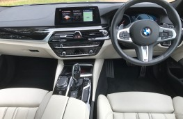 BMW 5-Series Touring, interior