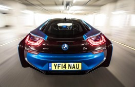 BMW i8, full rear action