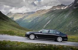 BMW 7 Series, side