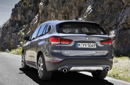BMW X1 2019 rear action