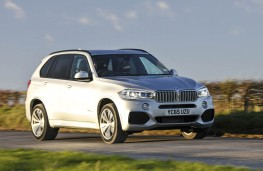 BMW X5 xDrive40e, front action