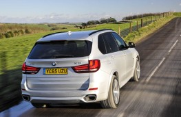 BMW X5 xDrive40e, rear action