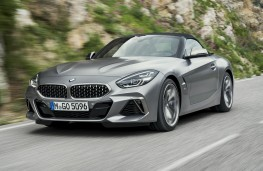 BMW Z4 2019 front action, hood-up