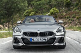 BMW Z4 2019 head-on action
