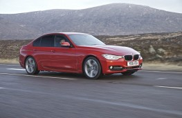 BMW 320d Sport, side
