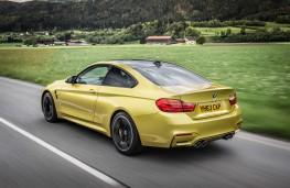 BMW M4, side