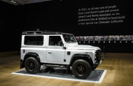 Land Rover Defender 2,000,000, side